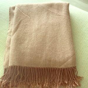 H & M throw blanket